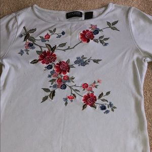 Vintage NY&C baby blue top w embroidery